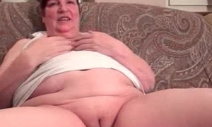 Nasty fat housewive gets randy rubbing