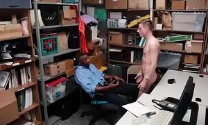 novinho pego roubando deu o cu strumpet policial pra n&atilde_o ser preso